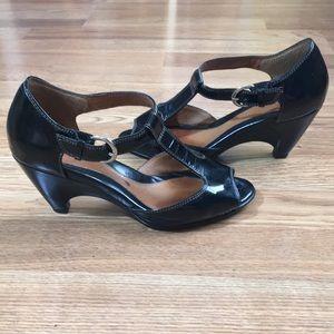 Sofft Black Leather T-Strap Sandal Heels - 7W